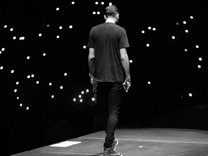 G-Eazy Releases Episode 5 Of His When It's Dark Out Tour Vlog