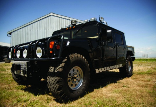 akonuche tupac 39 s 1996 39 hummer 1 39 jeep up for sale as the rap icon 39 s anniversary approaches. Black Bedroom Furniture Sets. Home Design Ideas