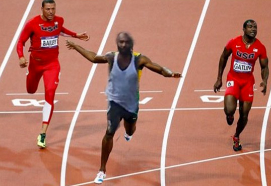 All Eyez On Memes: Joe Budden Chases Down Amateur Paparazzi