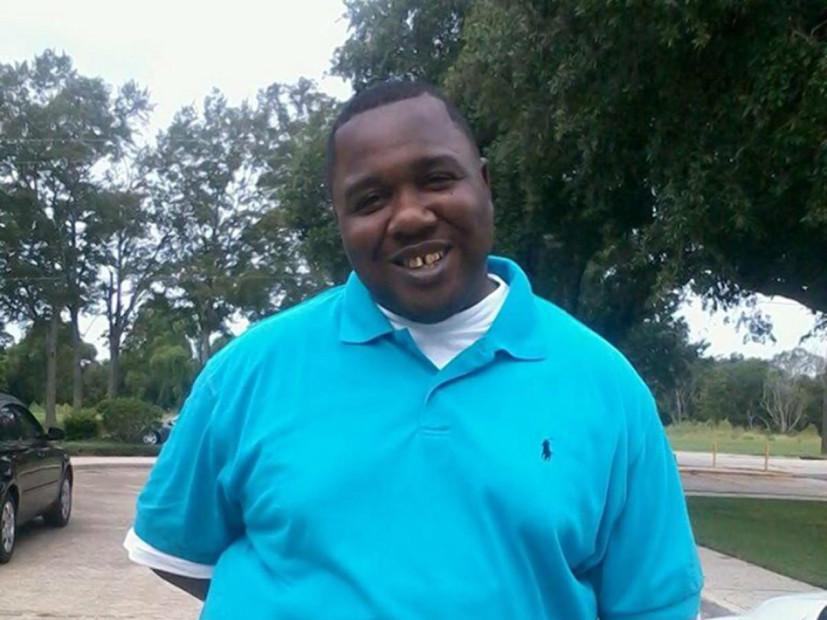 Alton Sterling, de la Familia Aplastado Por la Decisión De No Cobrar a los Oficiales de Asesinato