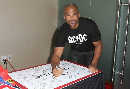 "Darryl ""DMC"" McDaniels Pays It Forward With New Memoir, ""Ten Ways Not To Commit Suicide"""