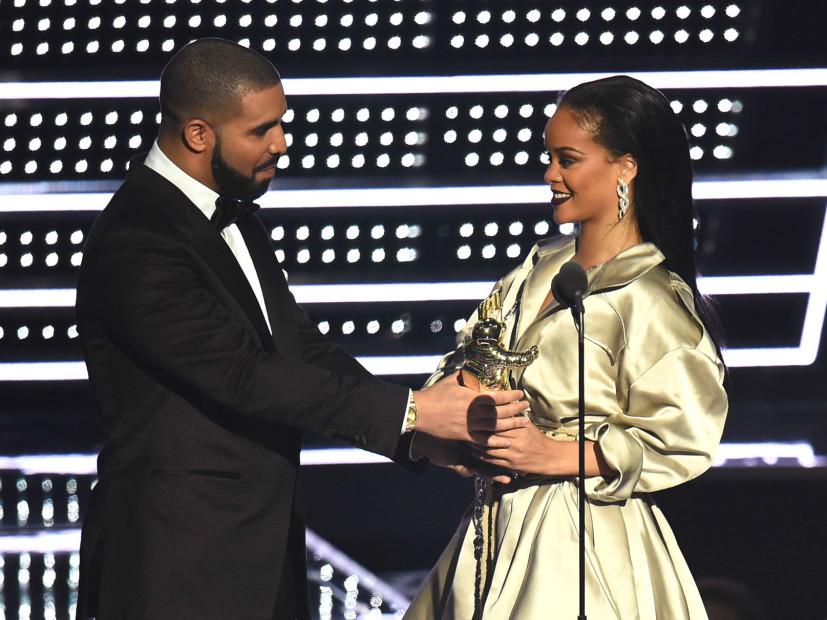 Drake Professes Love For Rihanna While Presenting Video Vanguard Award