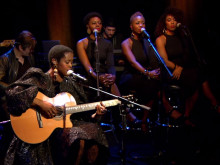 """Ms. Lauryn Hill Performs """"Rebel/I Find It Hard To Say"""" On """"Charlie Rose"""""""