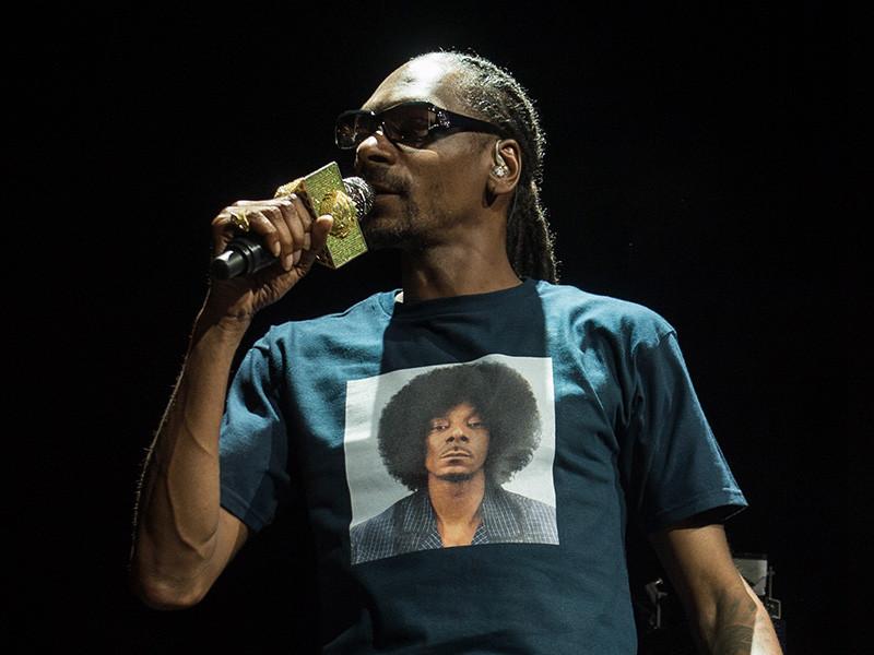 """Snoop Dogg se Descarga el Nuevo """"220"""" EP"""