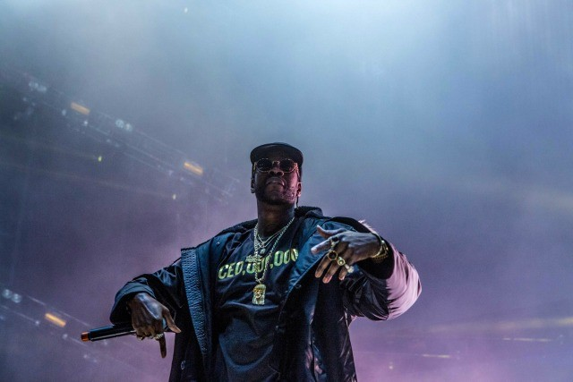 Instagram Flexin': 2 Chainz Brings Out Tech N9ne On Stage