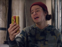 """""""Broad City"""" Sketch Takes On Inauguration & Offers Survival Guide To Survive Trump Presidency"""