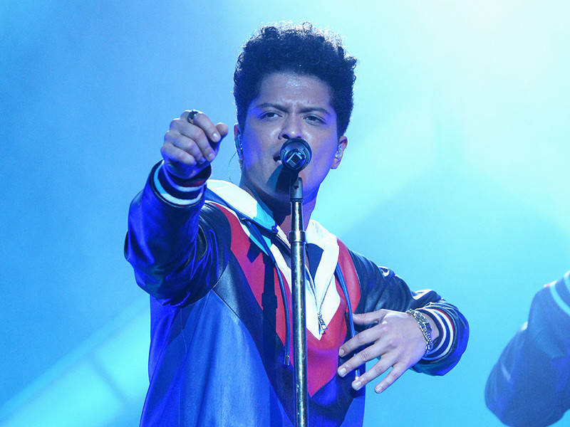 "Hip Hop & R&B Single Sales: Bruno Mars Dominates As Remy Ma's ""SHETHER"" Debuts"