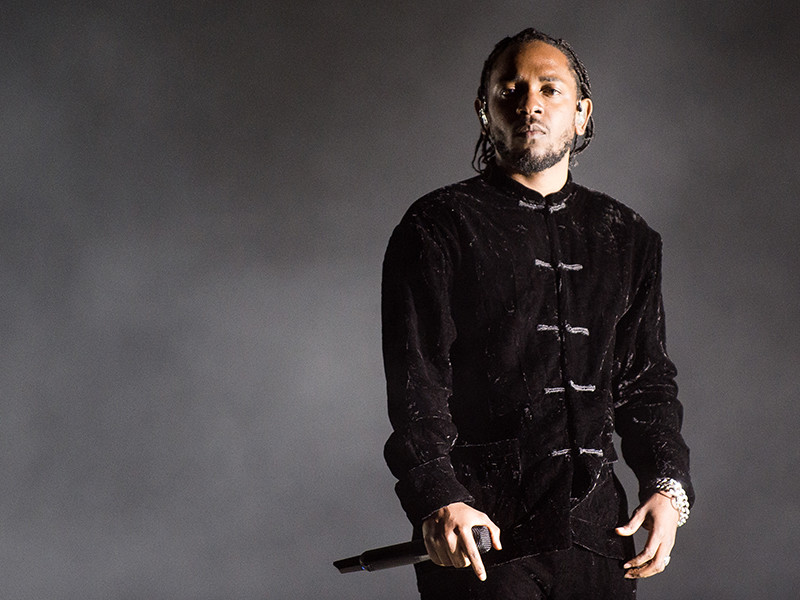 "Kendrick Lamar Dedicates ""DAMN."" 2X Platinum Plaque To His Fans"