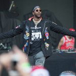 2 Chainz Buys His Mom (Another) New House