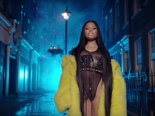 "Nicki Minaj, Drake & Lil Wayne Set London Ablaze In ""No Frauds"" Video"