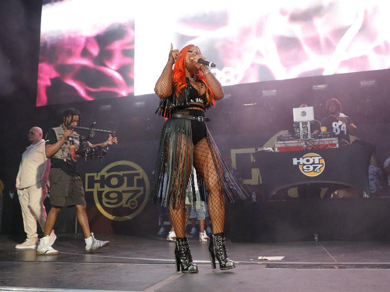 Remy Ma Brings Nicki Minaj Feud To Summer Jam Stage