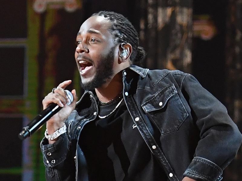 Kendrick Lamar Wins Best Male Hip Hop Artist