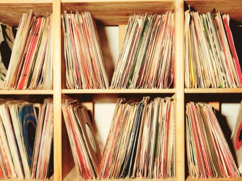 Vinyl Sales Soar & Drake Is King Of Streams In 2017
