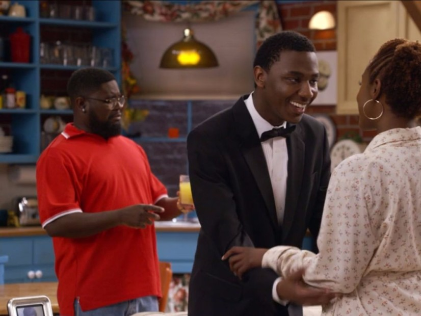 "JAY-Z Recreates ""Friends"" For ""Moonlight"" Video With Help From Issa Rae & Lil Rel Howery"