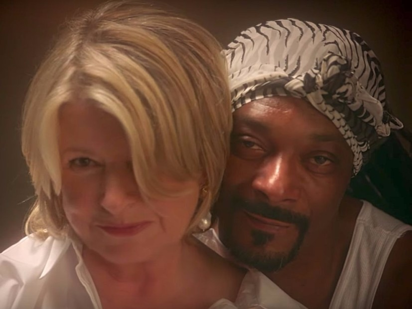 "Snoop Dogg & Martha Stewart To Recreate Sensual ""Ghost"" Of The Scene"