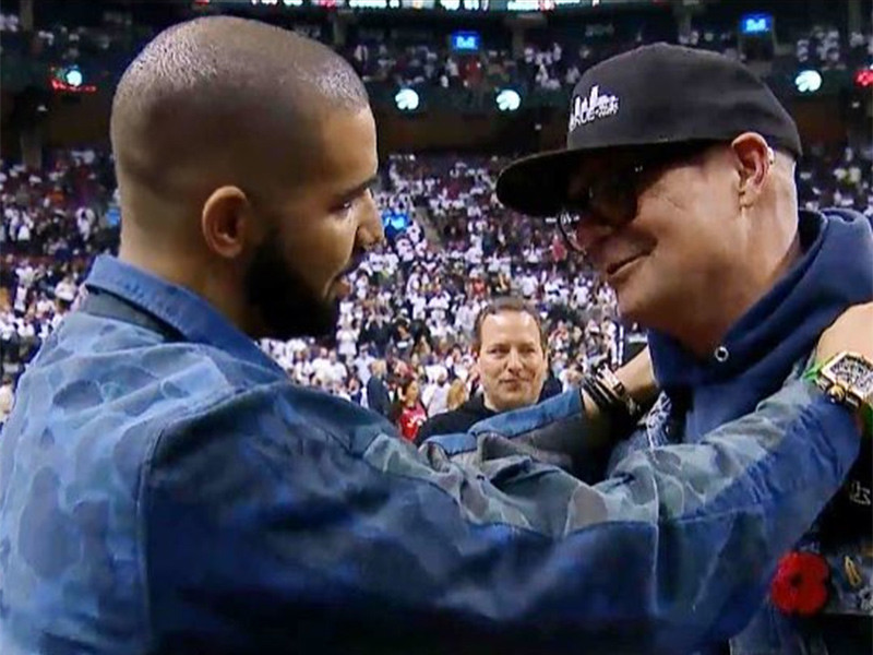 Drake Shares A Tribute To The Canadian Singer Gord Downie