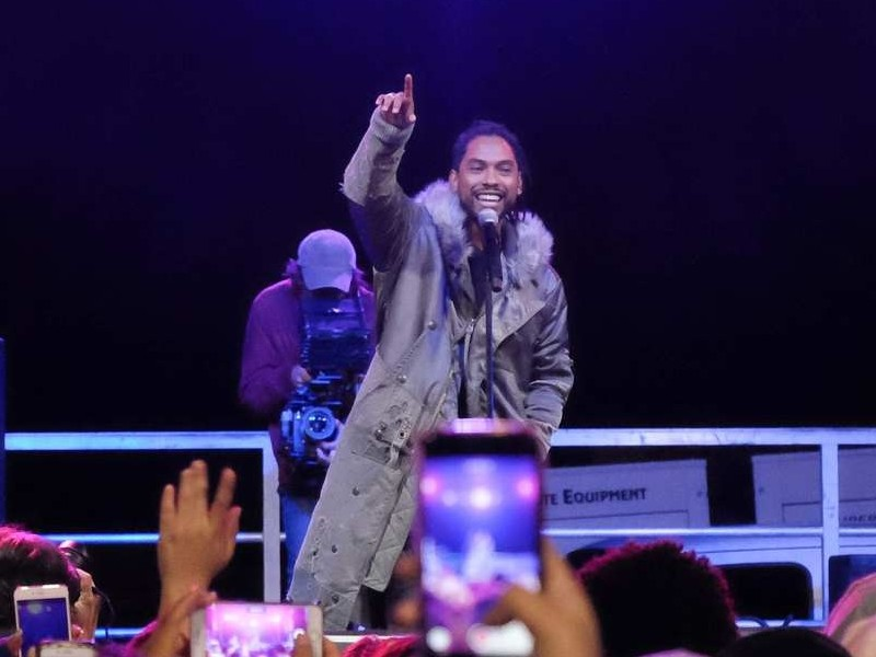 Miguel Performs At #SchoolsNotPrisons Concert