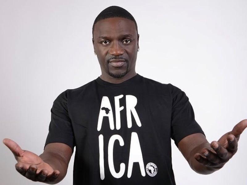 """Akon En Nelly del Arresto: """"la Gente Como Nosotros Se Lame Para Estas Niñas"""""""
