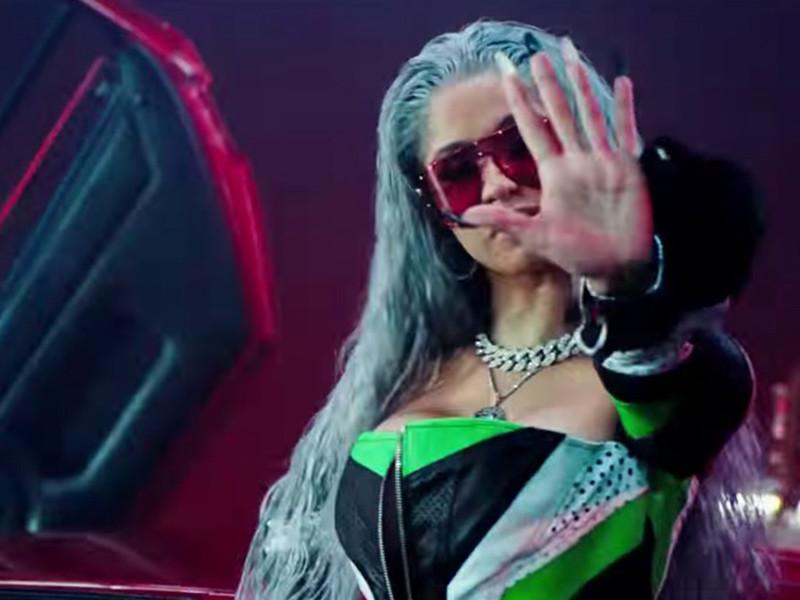 Cardi B Motorsport >> Migos Nicki Minaj Cardi B S Motorsport Video Is Here Hiphopdx