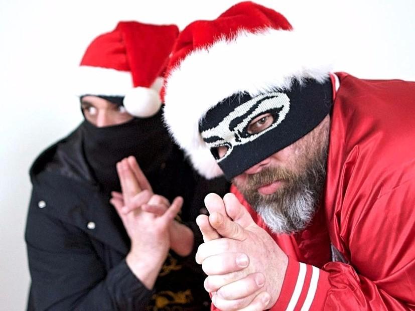 """Sage Francis & B. Dolan Develar La Épica De La Barba De Los Hombres De Proyectos Con La """"Guerra Contra La Navidad"""""""