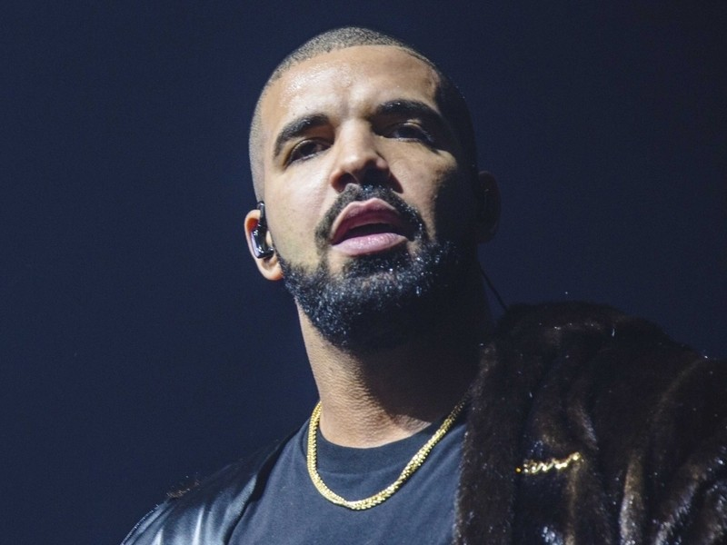 Drake Under Fire After Old Video Surfaces Of Him Fondling 17-Year-Old Concertgoer