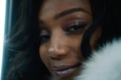 "Drake Gotas Agradable ""Para Qué"" Video Con Tiffany Haddish, Issa Rae & Yara Shahidi"