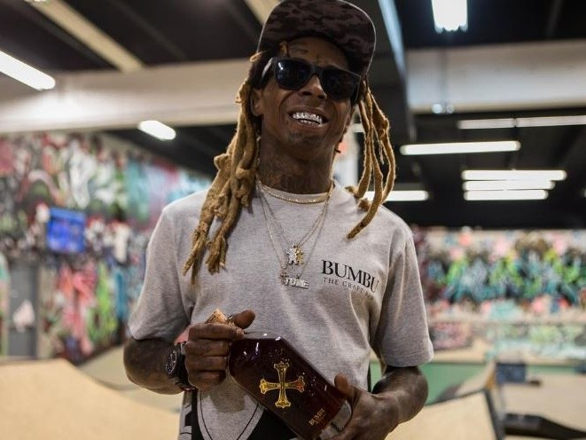 "Rappers Recreate Lil Wayne's ""Tha Carter III"" Cover For 10th Anniversary"
