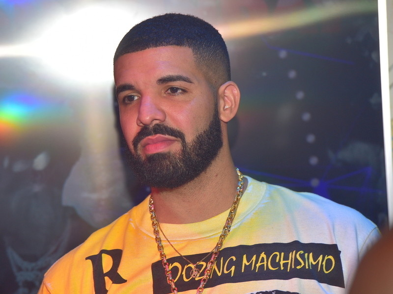 """Michael Jackson's Nephew Disapproves Of Drake's """"Don't Matter To Me"""""""