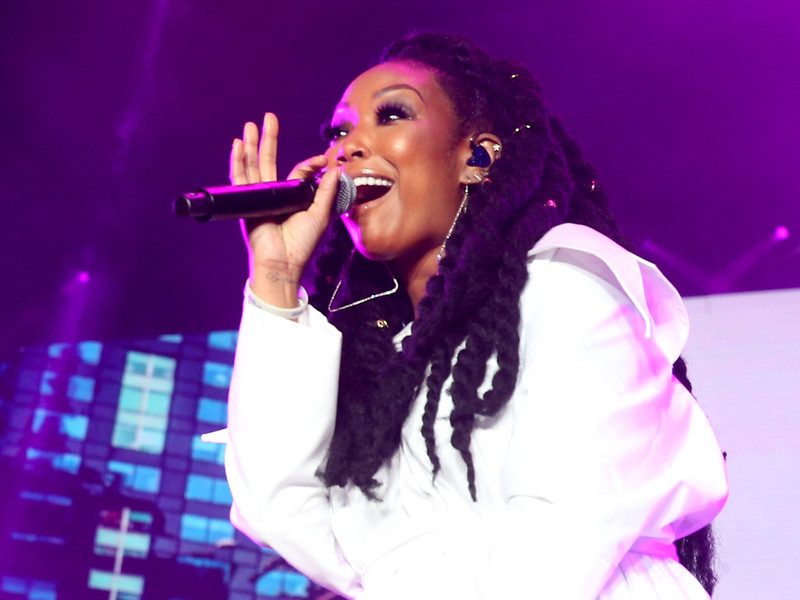 "Brandy Reminded the Essence Festival Crowd ""The Boy is Mine"" is not Monica of the Song, Is it"