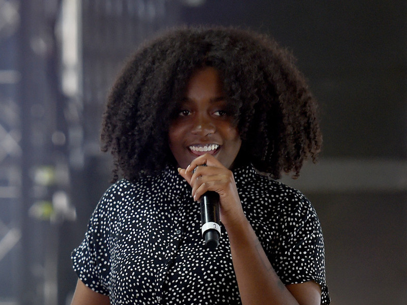 "Noname Drops Sophomore Project ""Room 25"""
