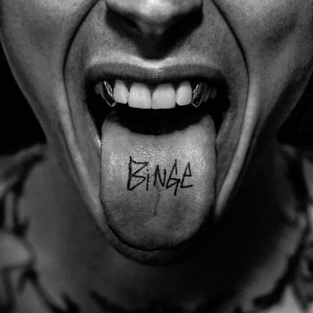 "Review: Machine Gun Kelly's ""BINGE"" EP Fails To Elevate Past Eminem Beef"