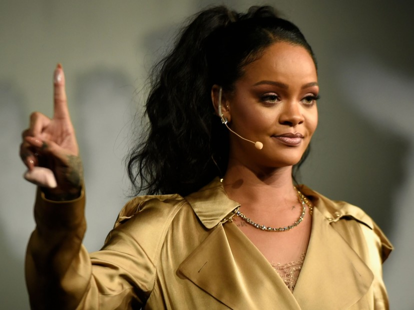 """Rihanna Once Described the Cardi B the Clock of Gold Gloves As """"the Most Ghetto Shit"""""""