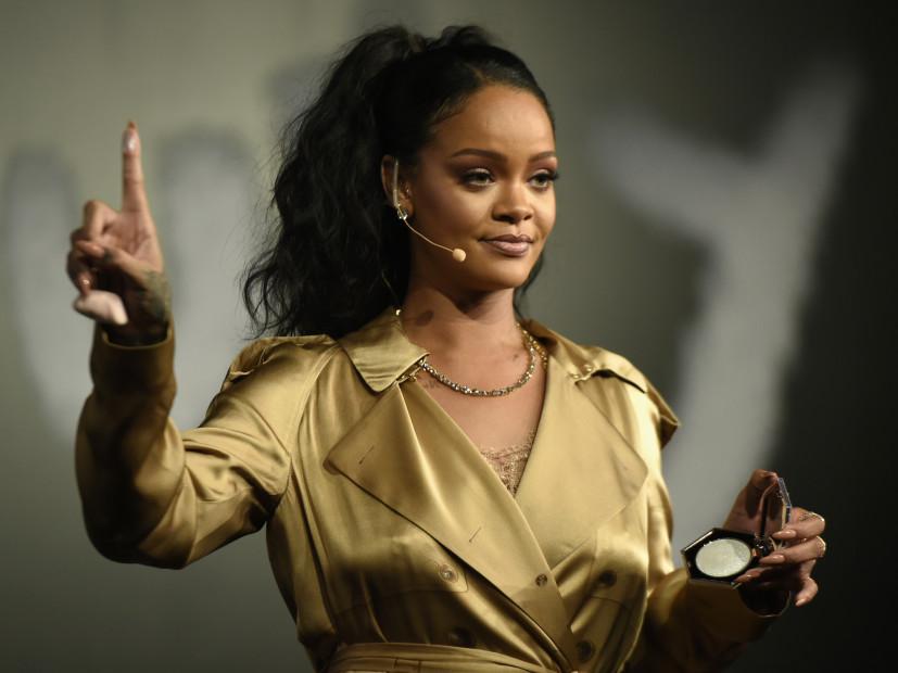 Rihanna Supuestamente Huye de la Super Bowl LII Rendimiento Porque Ella está Con Kaep