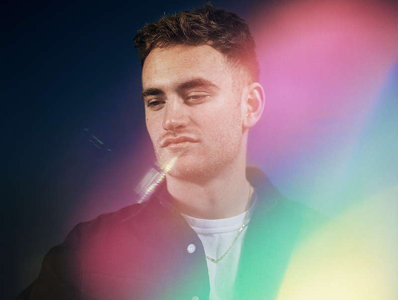"Tom Misch And De La Soul's Pos Get Funky On ""Running Through Me"" Video"