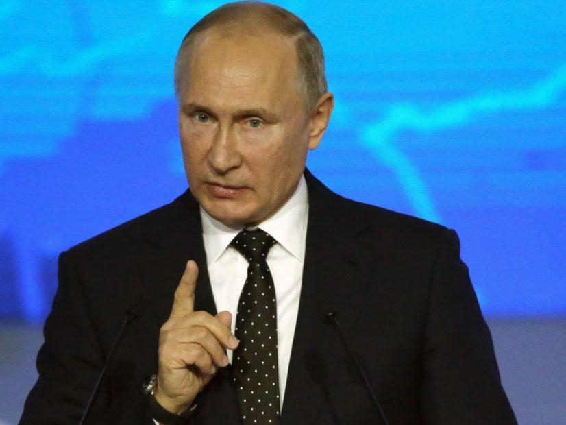"""El Presidente ruso, Vladimir Putin Slams Rap de la """"Droga de la Propaganda"""" Y Quiere Controlado"""