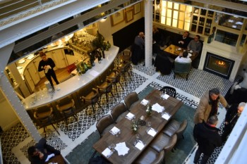 Les Chouettes Restaurant, Bar, and Lounge: A Cosy and Refined Art Deco Gem in Paris' Fashionable Haut Marais