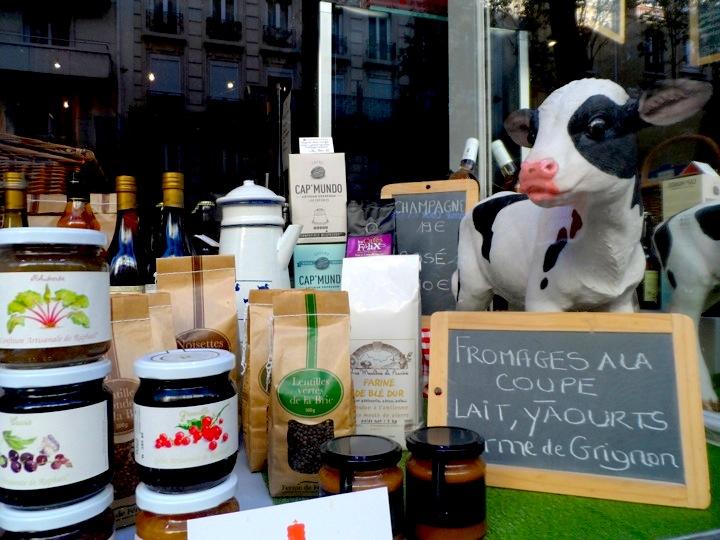 Le Super Petit Marche A Retro Grocery Store in Paris 18eme