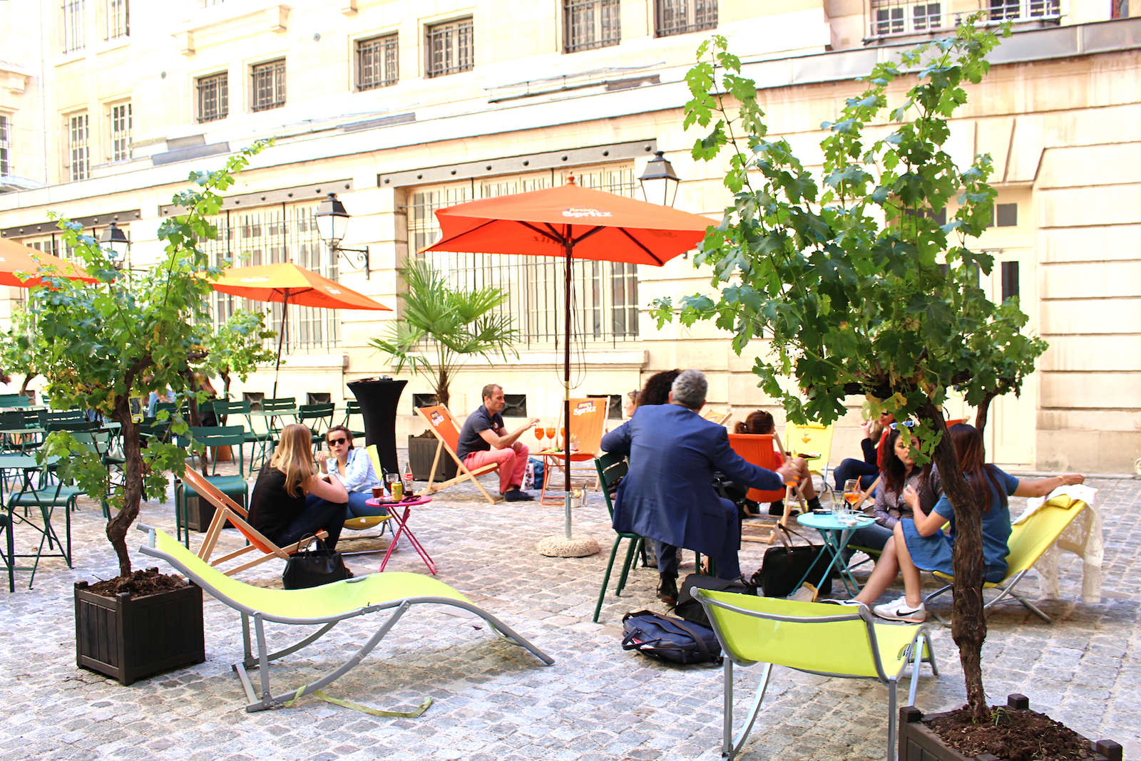 Café Cour: A Hidden Terrace in Paris' Marais