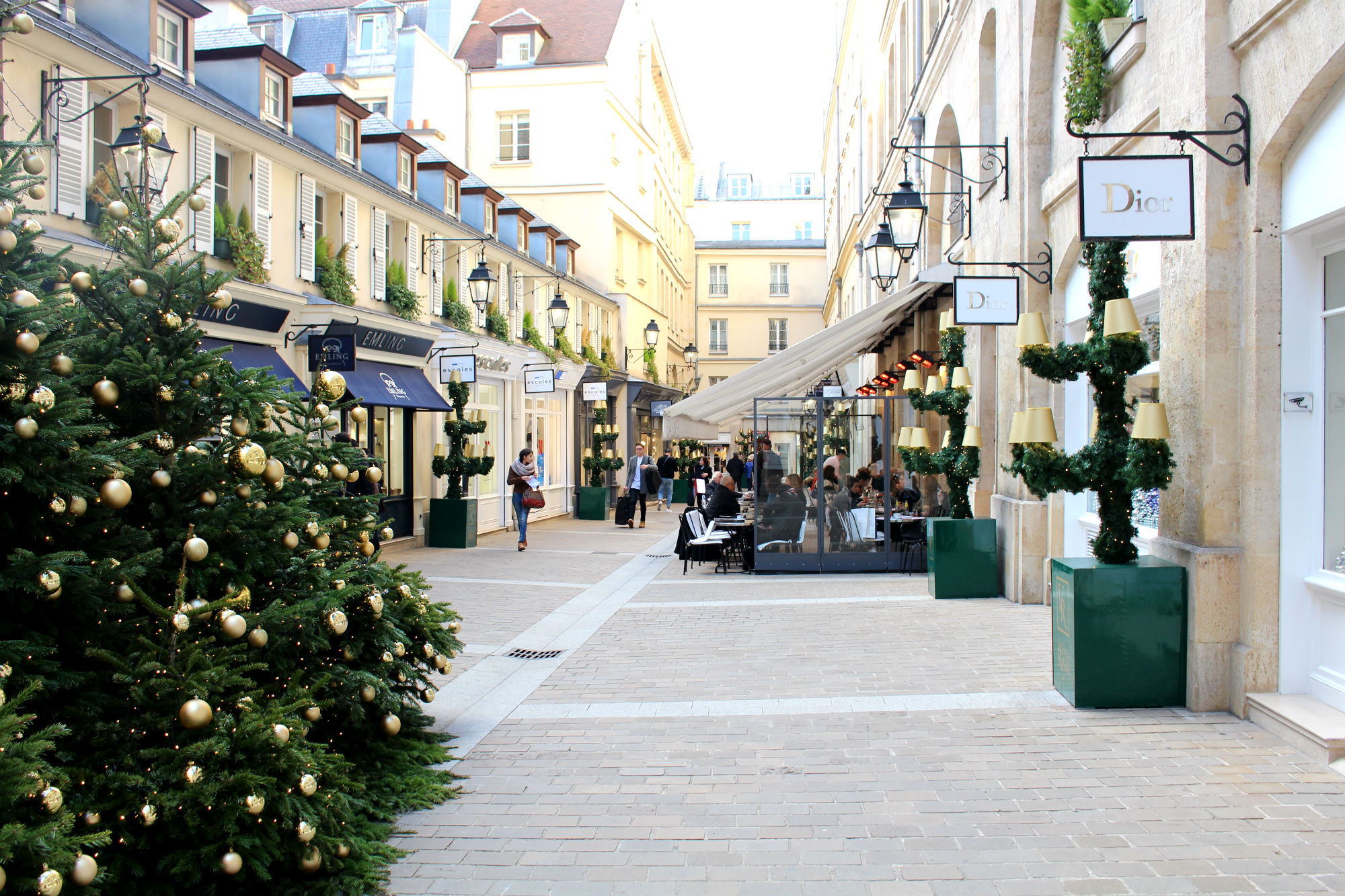 hristmas 2015, Village Royale Paris. Holidays in Paris are so beautiful.