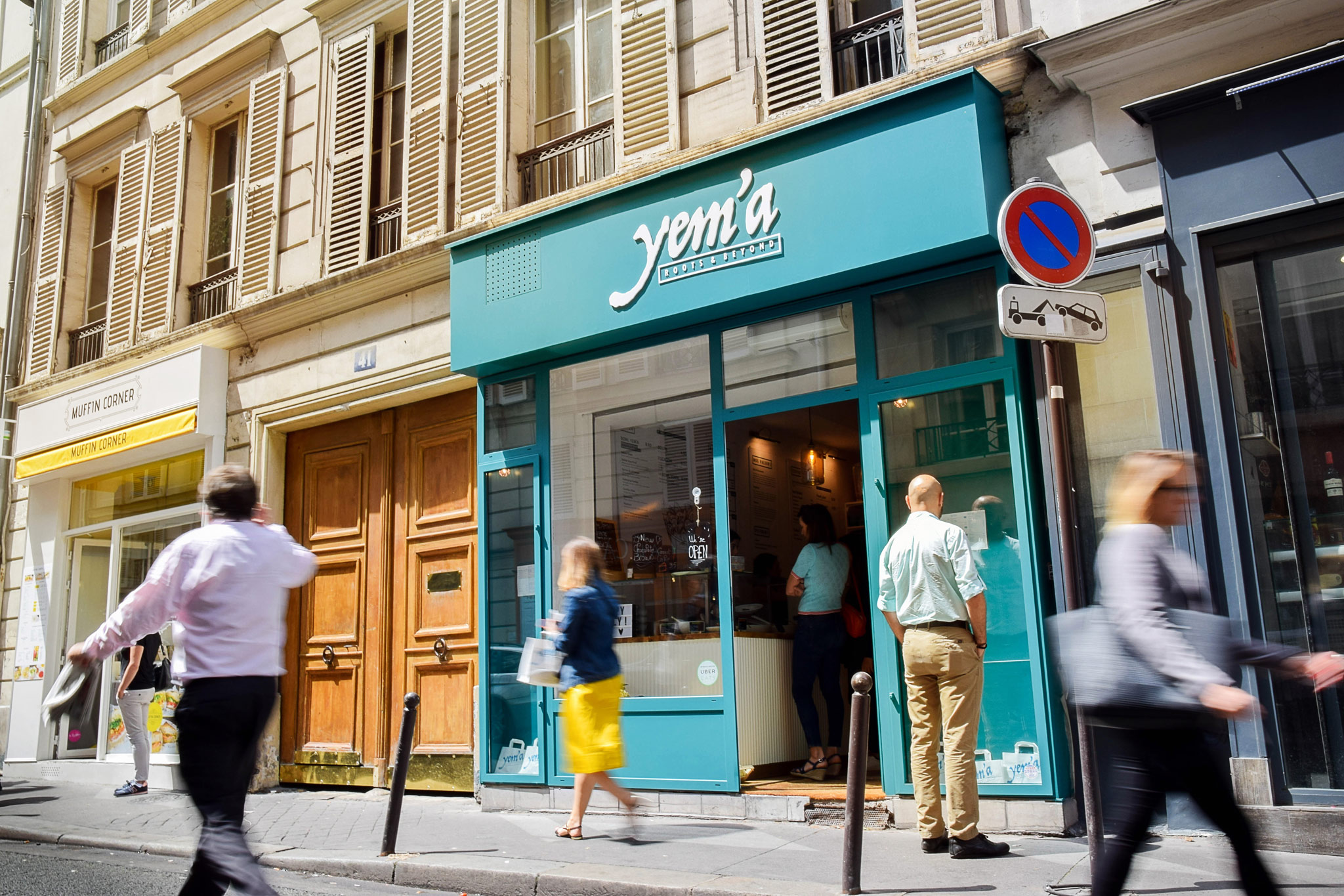 HiP Paris' guide to gluten-free restaurants and bakeries in Paris, includes Yem'a in Madeleine with a turquoise shop front.