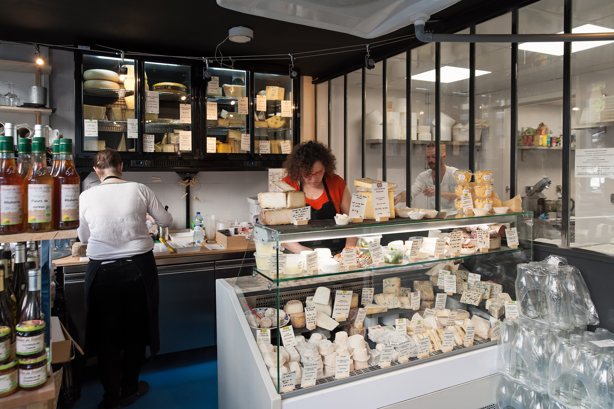 HiP Paris Blog discovers Paris' first cheese dairy La Laiterie de Paris, and inside the cheese shop is a counter packed with cheeses made right here in the back.