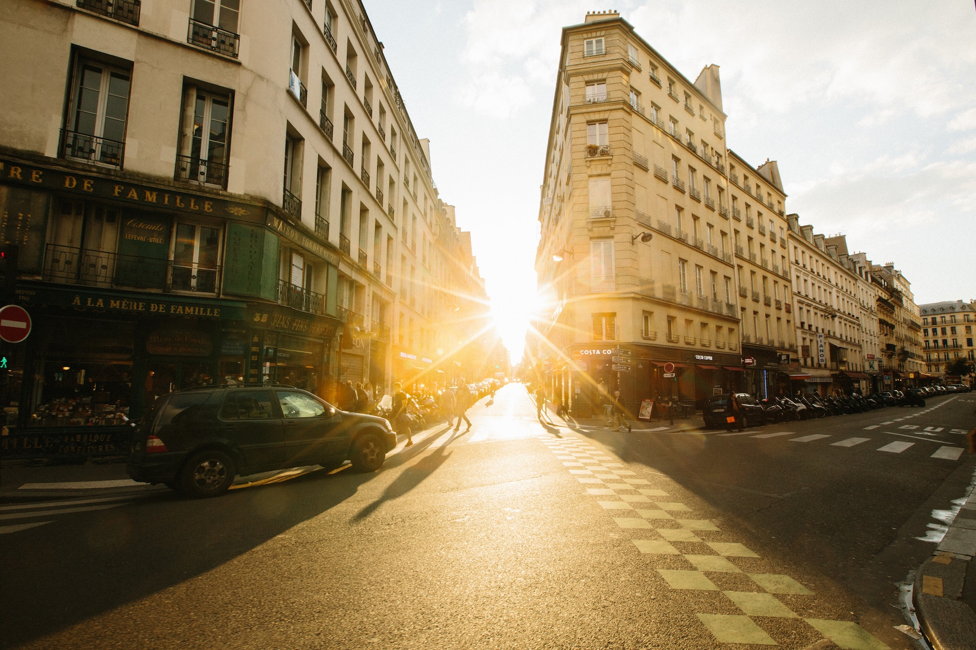 Paris podcast host Oliver Gee's tips on how to see Paris.