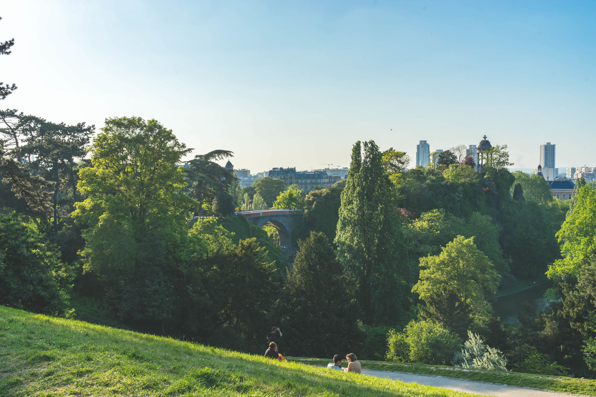 The Buttes Chaumont park is one of the pretties parks in Paris, especially in the summer.