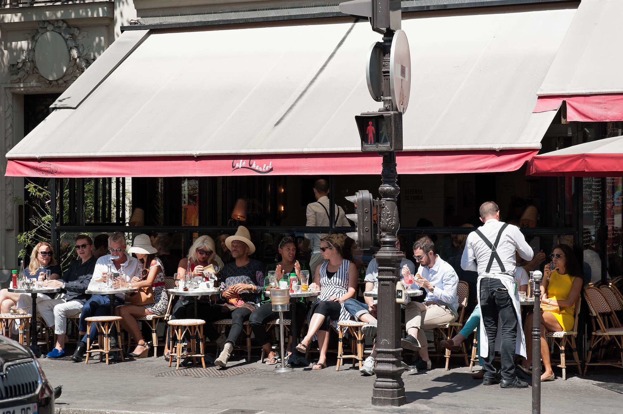 HiP Paris Blog tells the story of la rentrée when everyone is back from the summer holidays and Paris cafe terraces are jam-packed once again.