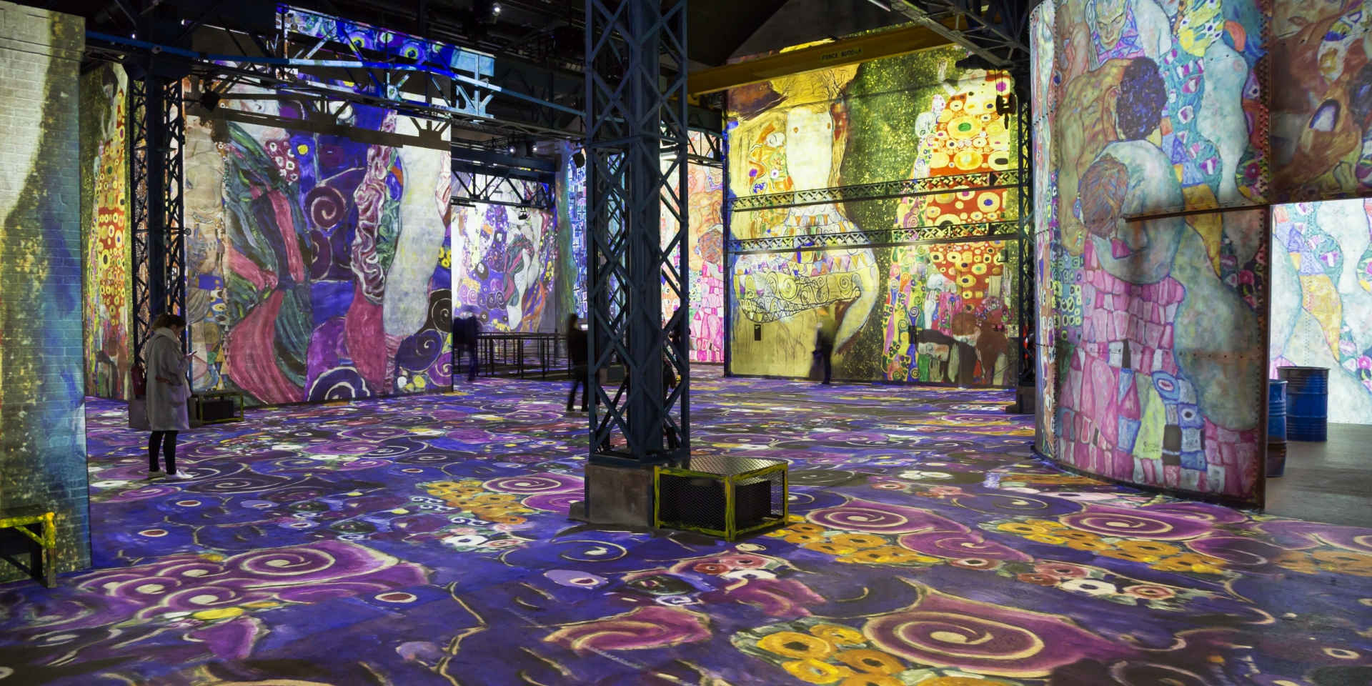 Digital Paris museum the Ateliers des Lumieres opened with a light and sound show of Gustav Klimt's work and this year, it welcomes the works of Van Gogh.
