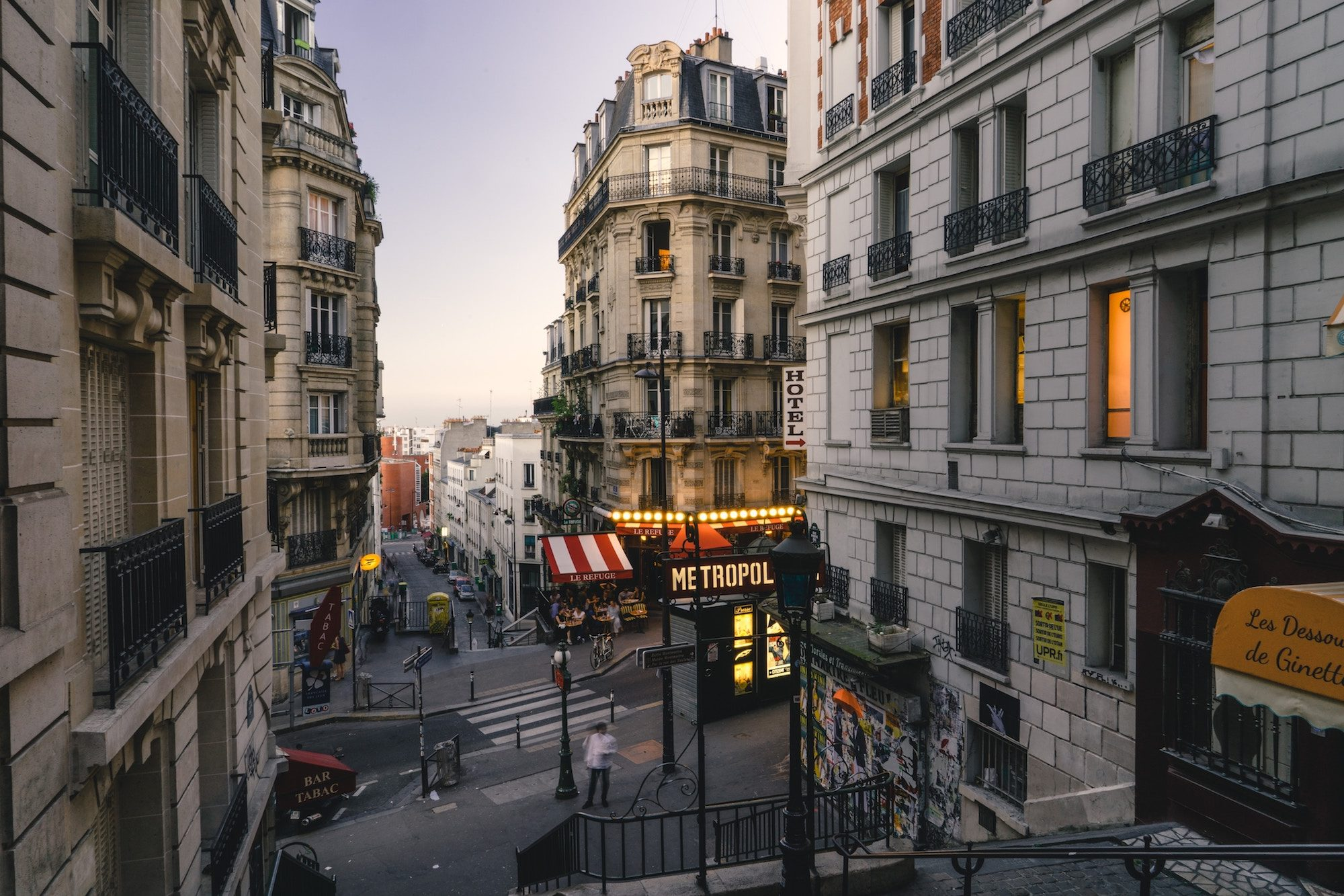 HiP Paris Blog tells the story of la rentrée before Parisians return from the summer holidays, which is when the city is at its quietest, including this Montmartre neighborhood.