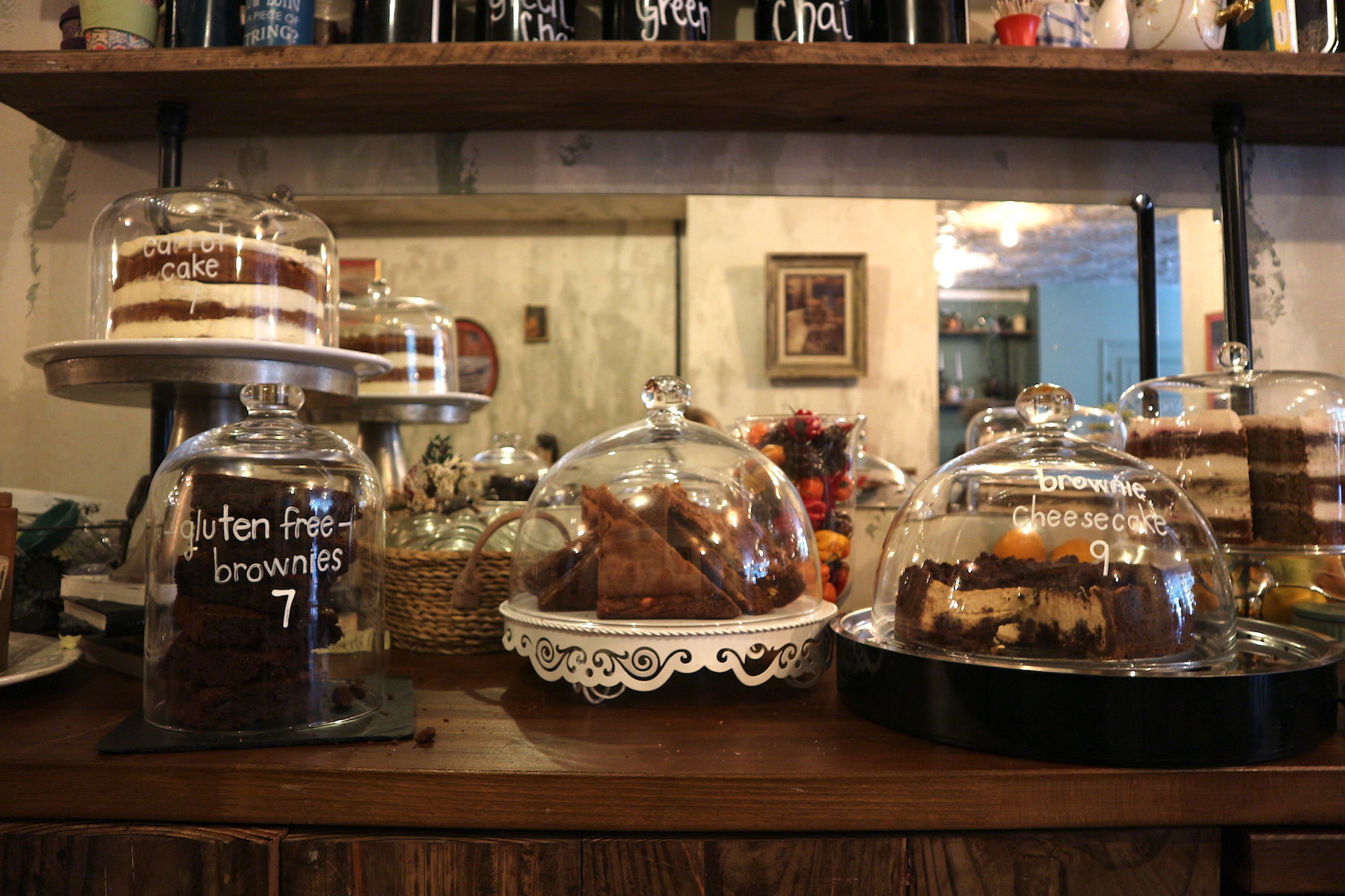 One of our favorite coffee shops in Paris, Treize au Jardin has delicious gluten-free homemade cakes hiding under glass bell jars.