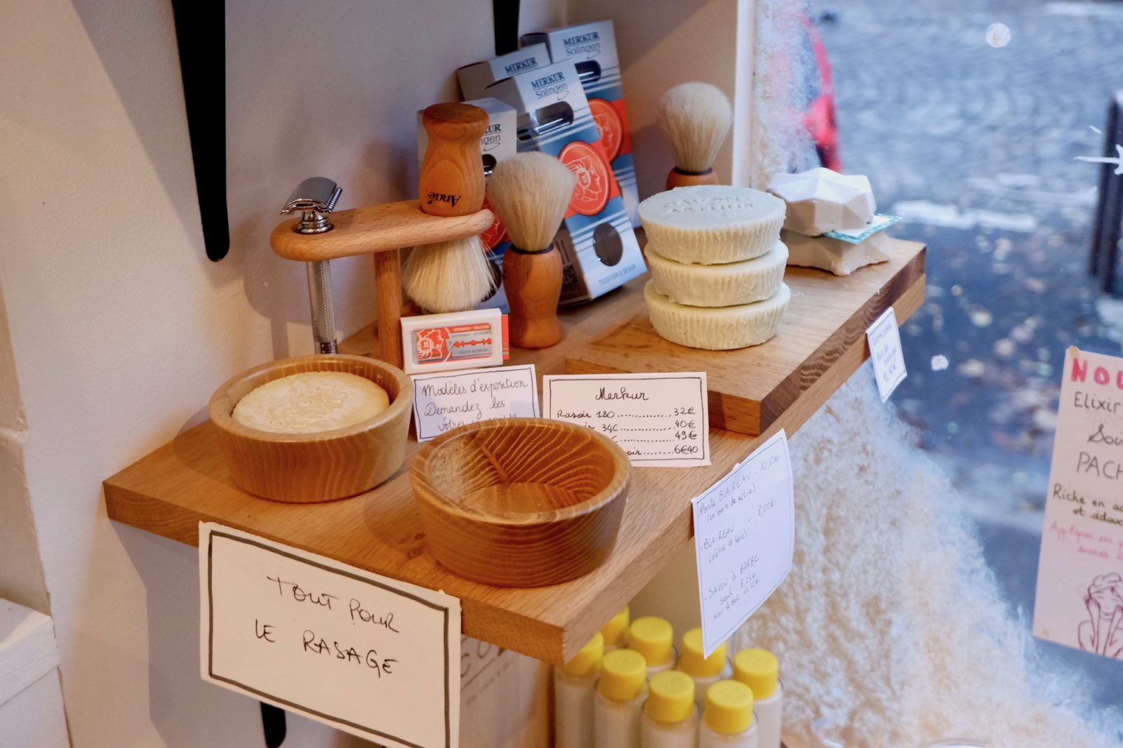 As well as bento boxes, solid shampoo and handmade soaps, the Maison du Zéro Déchet (house of zero waste) also sells wooden shaving kits and other gifts to bring home from Paris.
