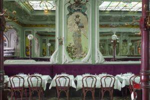 Interior shot of Bouillon Julien in Paris