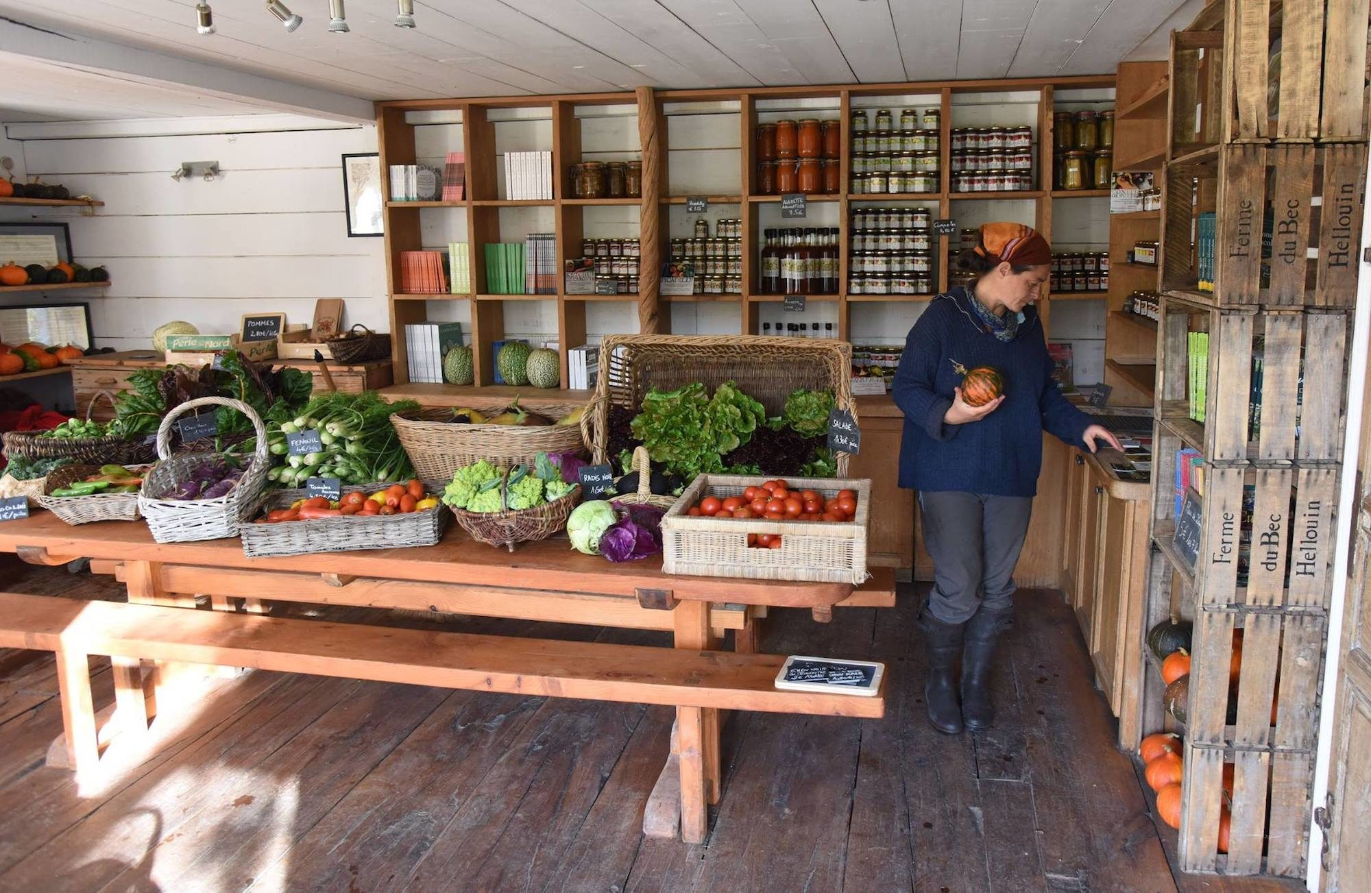The Bec Hellouin farm shop, which grows the vegetables it grows according to the principles of permaculture.